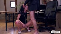 BUMS BUERO - Naughty fuck in the office with brunette German babe July Sun Vorschaubild