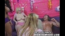 HUGE Natural 38G Tits Sucking Cock! Vorschaubild