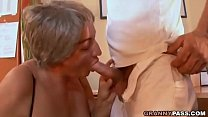 Busty Granny Seduces Young Guy With Her Big Tits Vorschaubild