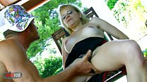 Nasty amateur milf gonna be shagged by a energic younger