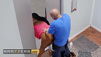 Ebony BBW (Maserati) Gets Stuck in Elevator and titty fucked - Brazzers