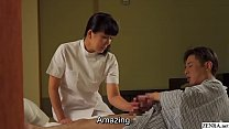 Mature Japanese masseuse gives client handjob S...