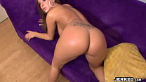 BBT - August Night shows off her body and fucks