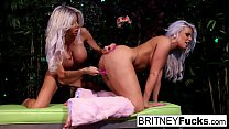 2 hot blondes share Halloween scare thumbnail