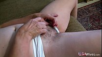 USAwives Old Grandma Carmen Hairy Pussy Fingering Vorschaubild
