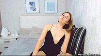 Blonde amateur babe fingers on webcam