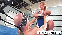 Sexy Shyla Stylez gets some lessons on MMA trai...