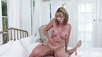 I woudn't lie, SON's cock is better- Amber Chase صورة