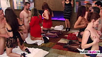 Swinger guys give an oil massage to ladies big asses in a foreplay.