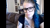 Sexy Blue Haired Babe Takes A Bath On Cam - Camgirlsuntamed.com