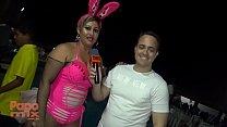 Sensualidade de Andressa Sanches em festa particular