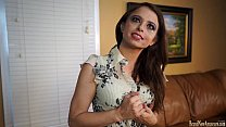 Amateur lady masturbating on casting couch