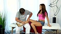 Massage babe feet spunked