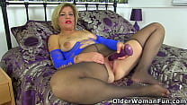 UK mature Emma loves playing in tights with a d...
