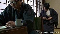 Smuk japansk kone affære med mand stor pik