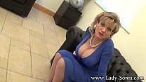 Lady Sonia An English Housewifes Cleavage Preview