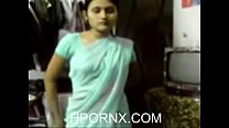 Indian Girl in Saree seducing (new) Thumbnail
