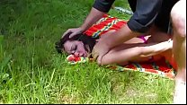 Pic-nic and a strong fuck for a french brunette