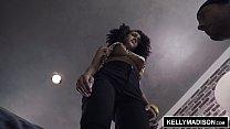 KELLY MADISON - Ariana Aimes Squeezes Milk From Her Big Tits Vorschaubild