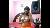 Bhabhi masturbating while sex chat on phone