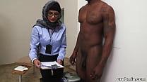 Image: Mia Khalifa the Arab Pornstar Measures White Cock VS Black Cock (mk13768)