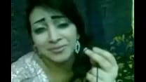 http://cutw.in/0ByC8sy رجل واخد شرموطة محجبة ويخلعها البنطلون صورة