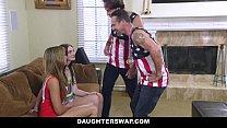 DaughterSwap - Daughters Lose Bet and Fuck Dads Vorschaubild