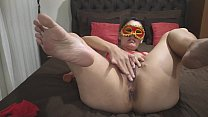 "Naughty mature enjoys to drain and makes a delicious ""Squirt"" showing that woman really enjoys"