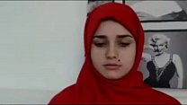 Arab teen goes nude صورة