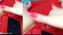 Morena Safadinha fazendo self de diabinha strip, chupando e gozando gostoso com vibrador, calcinha toda molhadinha