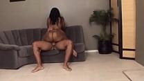 D'ass bouncing her big ass