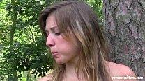 Small titted teen Bella masturbates outdoors Vorschaubild