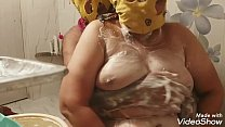 Big-boobs wife mashed her hubby with her boobs shampoo and then climbed over the hubby to quench her thirst and reminded the hubby to mom and cumed her mouth of blowjob (clear audio)