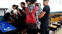 Orgia latina hacia un asiatico en escuela publica