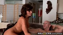 5243 Dirty milf (Veronica Avluv) wants Johnny Sins big dick - Brazzers preview