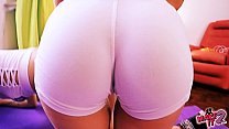 Big Round Ass Teens Showing Puffy Cameltoe Yoga Pussy!