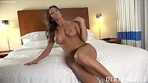 Muscular Fit Pornstar ArielX Masturbation
