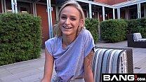 Image: Skinny College Teen Emma Gets Creamy On The Beach