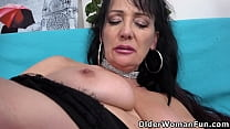 Slutacious mature Alex works her pussy with fingers
