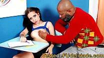 Avô safado transou com a gostosa da sua Neta