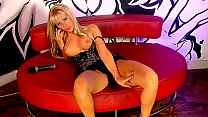 Hot blonde phonesex girl Louisa Vorschaubild