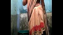 Indian desi village aunty bathing