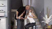 Screenshot OLD4K Old dad f acializes blonde after stretch e after stretchi