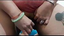 Se masturba con un dildo cuando no estoy en casa y me manda el video