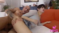 Download video bokep Hot Short Haired Brunette Michelle B Gets Butt ... 3gp terbaru