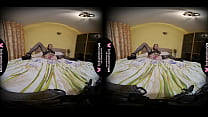 Solo girl, Julia Nikitina is drilling her slit, in VR