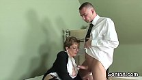 Unfaithful uk mature lady sonia showcases her huge tits Vorschaubild