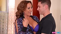 American milf sensation Richelle Ryan fills her mouth and pussy with cock - 69VClub.Com