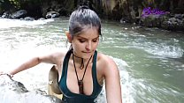 Exploradora Colombian (Tatiana Morales) Lara Croft cosplay