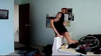Chica bailando como una puta 3 preview image